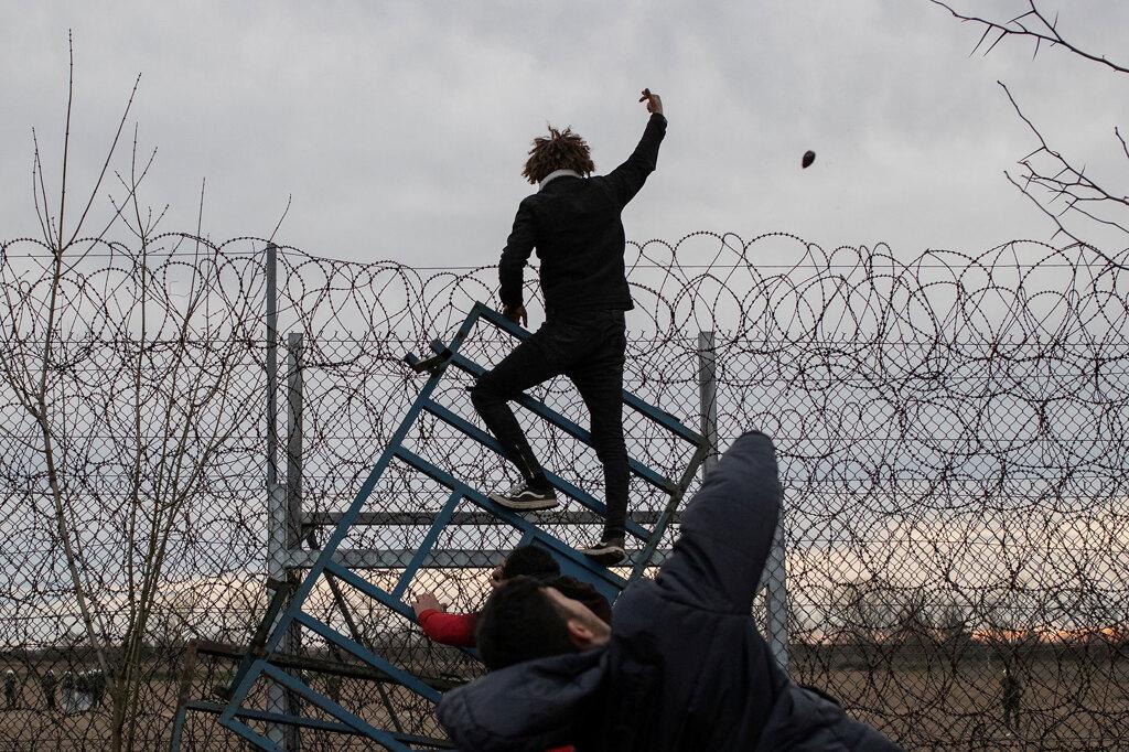 I profughi siriani presi in ostaggio da Turchia, Grecia e Unione europea